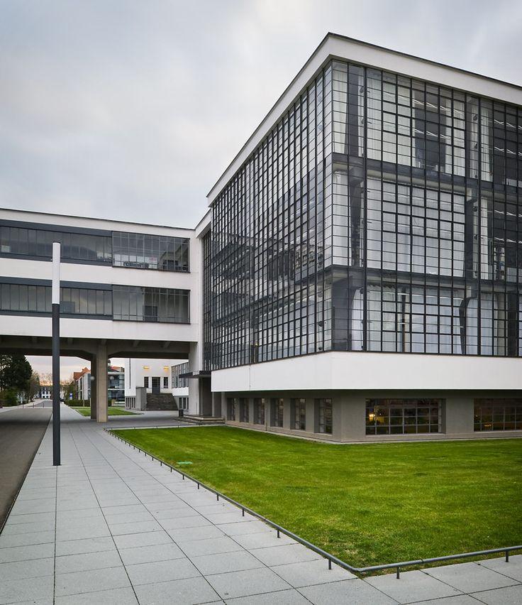 Galeria de Clássicos da Arquitetura: Bauhaus Dessau / Walter Gropius - 6