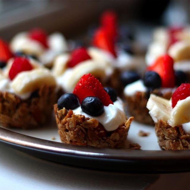 Mini Granola Cups With Greek Yogurt & Berries