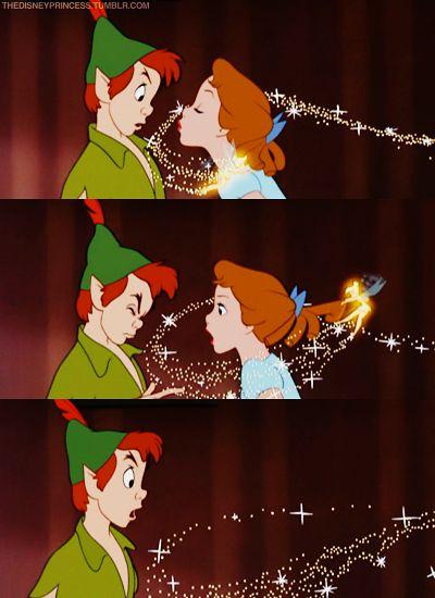 Peter Pan!Disney Movies, Peter Pan And Wendy Disney, Pan Disney, Disney Princesses, Kiss Disney, Princesses Favors, Jealous Tink, Peter And Wendy Kiss, Disney Tinkerbell