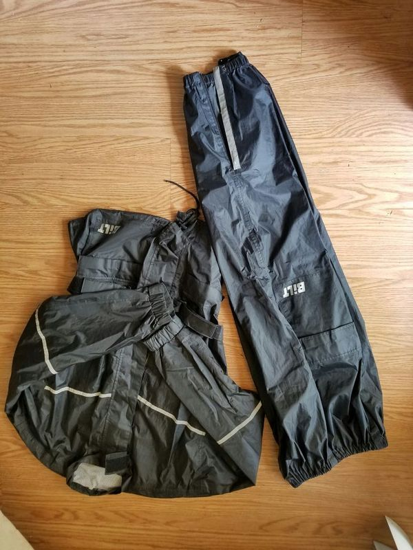 BILT motorcycle rain suit - medium