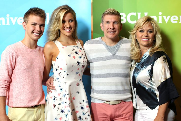 Todd Chrisley Family: Reality TV Dad & Kids Address Family Crisis On Twitter, 'Please Pray For Us During This Difficult Time' [VIDEO]