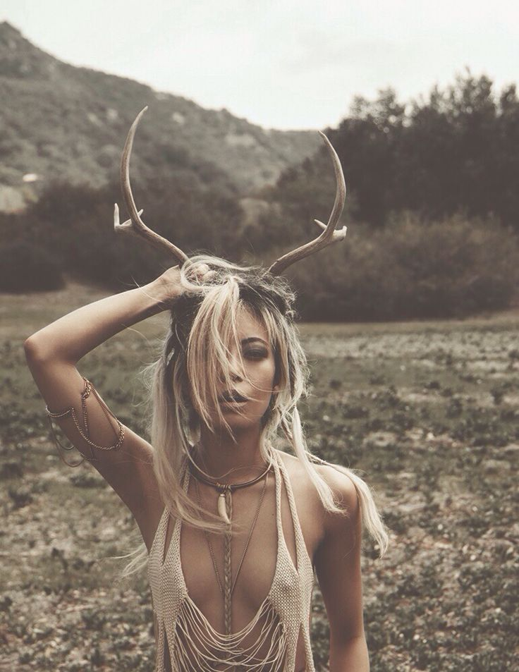 Bohogypsyspirit ✝  Boho Feathers Gypsy Spirit Living Style Antlers