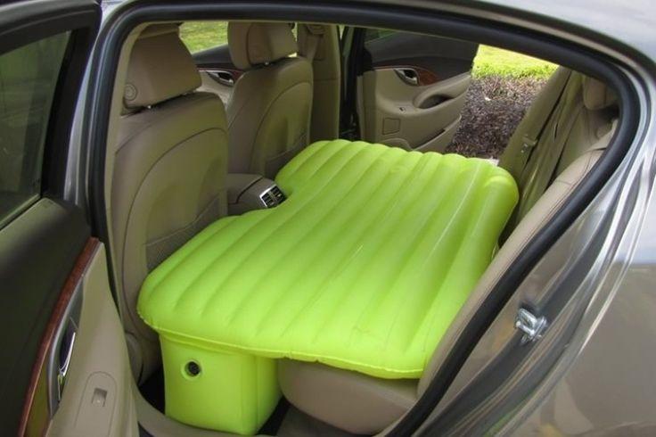 Il letto gonfiabile per auto | DottorGadget