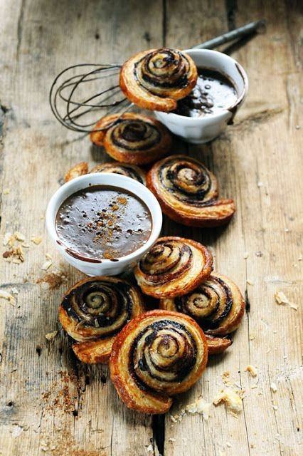 Chocolate puff snails
