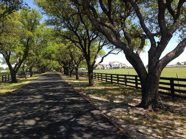 "Touring the ""Ewing Mansion"" at Southfork Ranch in Dallas Texas ... famous for being the locale of the hit show ""Dallas"". #travelpreneur #freedomlifestyle . . . To check-in to your own Freedom Lifestyle click the link in my bio"