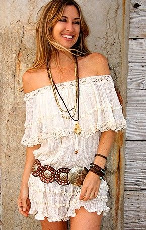 vestido blanco al hombro