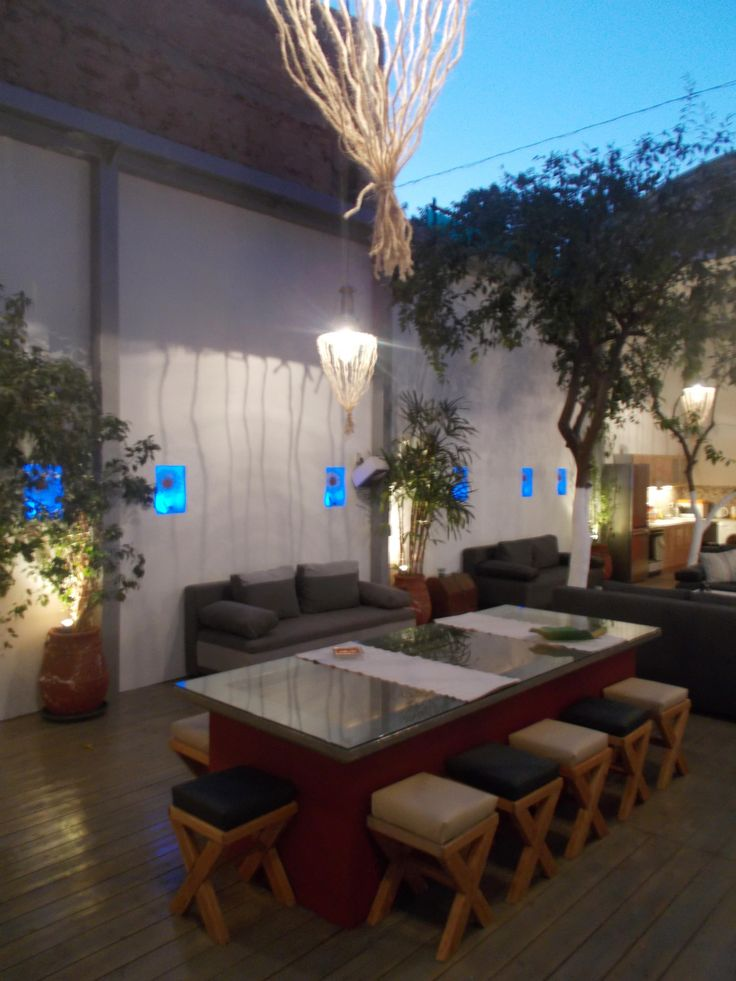 Make your stay memorable! BOOK this interior garden house now at: https://www.bit.ly/2b3xk4W. A house inside a real garden in the heart of Athens!