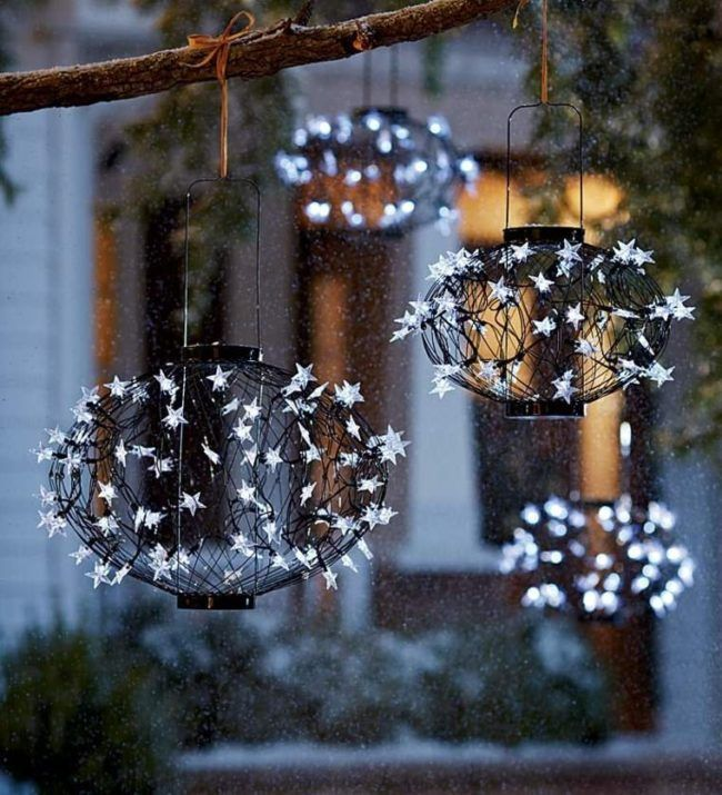 36 best ideas para decorar jardines y patios en navidad for Ideas para decorar aticos