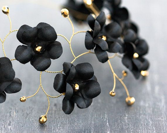 Black flower crown, Gold hair accessories, Circelt of flowers, Headband flowers, Floral hair accessories, Wedding hair pieces, Wedding halo.