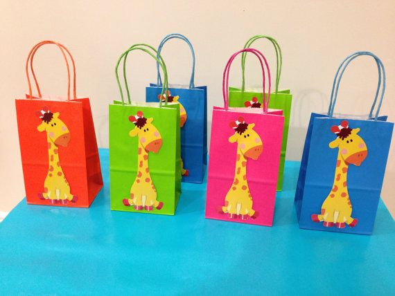 12 Giraffe Party Favor Bags/Treat Bags via Etsy