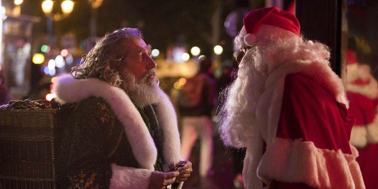 Alain Chabat revient à la réalisation avec son 5ème long métrage pour les fêtes Santa & Cie, une comédie foutraque familiale qui s'oublie très rapidement...