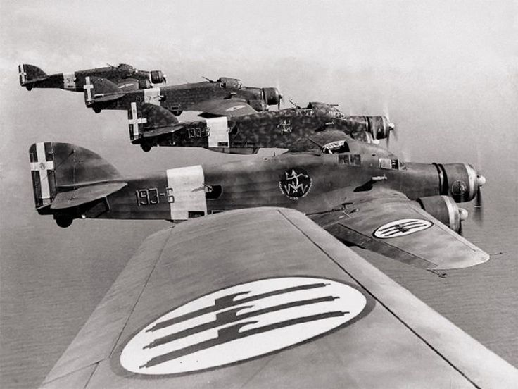 Italian SM.79 Sparviero bombers over North Africa, 1940-1942
