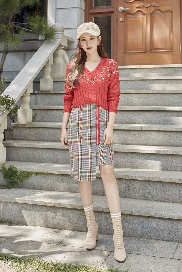 Sequin Embellished Knit Sweater CHLO.D.MANON   #red #sequin #falltrend #koreanfashion #kstyle #kfashion #dailylook #seoul