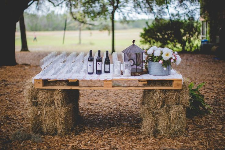Pallet Hay Bale Bar Woodsy Crafty Ranch Wedding Florida http://www.jessicacruzphotography.com/