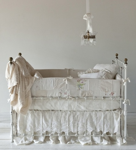 I'm in trouble....just stumbled upon Bella Notte Bedding....Gorgeous!!!