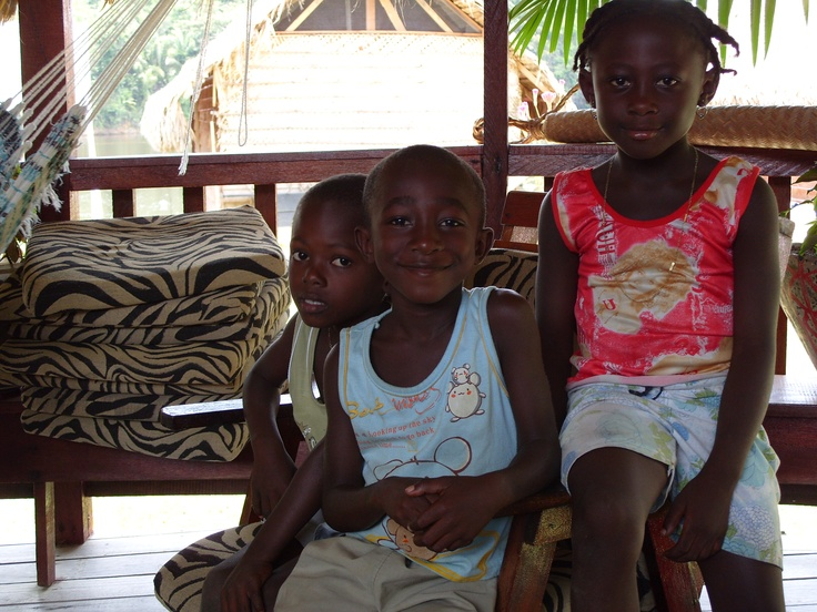 More children in Danpaati River Lodge Surinam