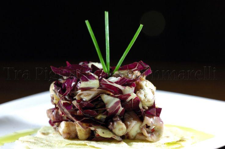 Piccola insalata di polpo, radicchio di Treviso, noci e melograno, con emulsione al balsamico