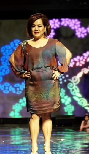 Mae Marciel, wife of U.S. Ambassador to Indonesia, Scot Marciel in batik dress