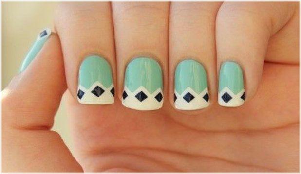 Seguimos con la tendencia del verde menta. Hoy unas uñas con una decoración divertida. #Nails