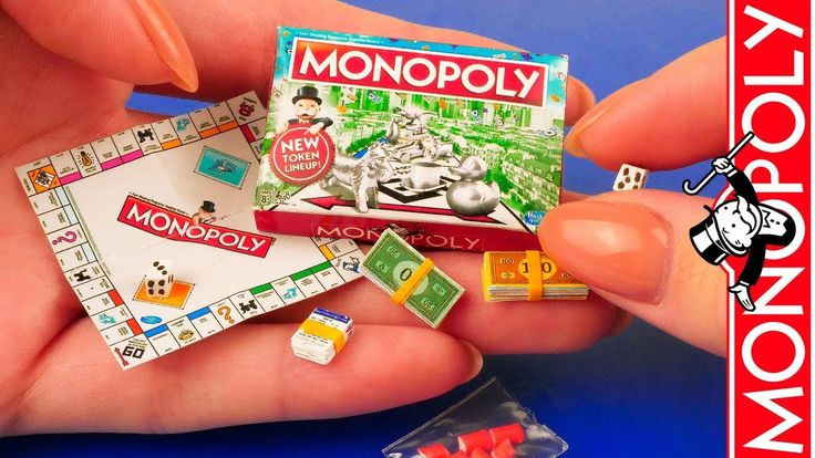 tutorial miniature Monopoly game with box Lol dolls