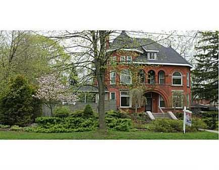 Photo 1 of 220 CAMBRIA ST, STRATFORD, 8 beds, 4 baths - 1331486