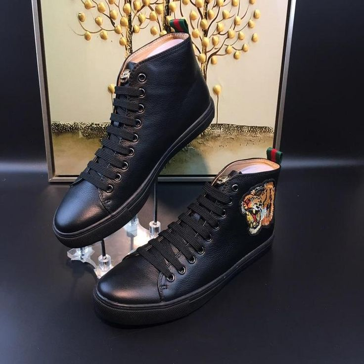 GUCCI[GUCCI]New high-end men's fashion leisure sports are men released new