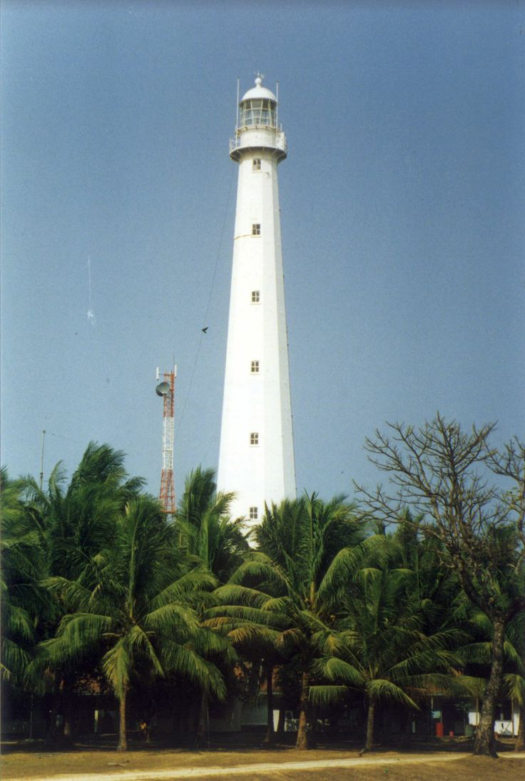 Cikoneng Lighthouse built by the Dutch government in 1885 as a memorial for the townspeople killed by the eruption of Krakatau, which completely destroyed the town as well as the earlier lighthouse.  Banten, formerly West Java, Indonesia.