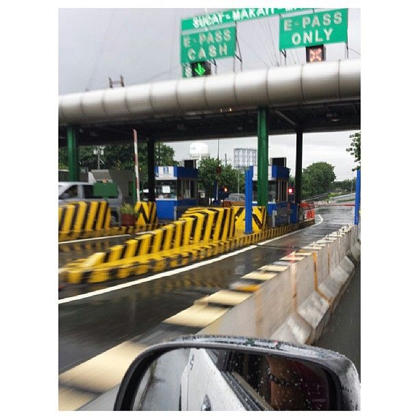 #slex #filinvest closed for #northbound #flood #rain #philippines #高速道路 封鎖 #フィリピン #洪水