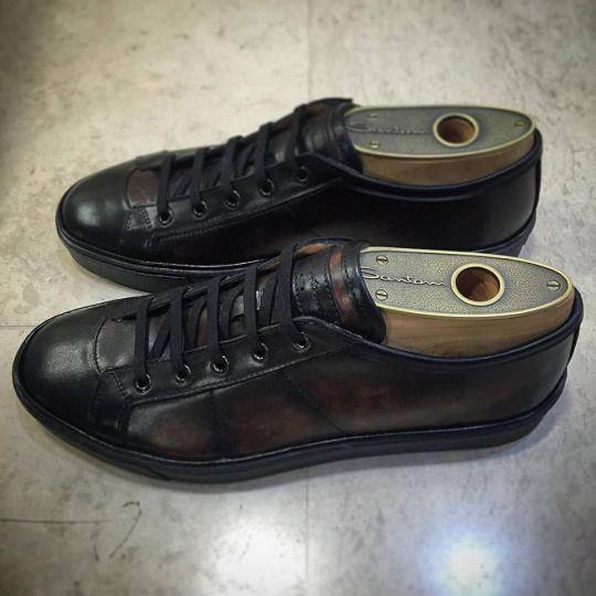 Low-top leather sneakers in shades of brown by Santoni.  Shop online: https://goo.gl/YTIDOf  #incrocio #santoni