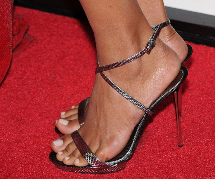 Halle-Berry-Feet-340233.jpg (1000×833)