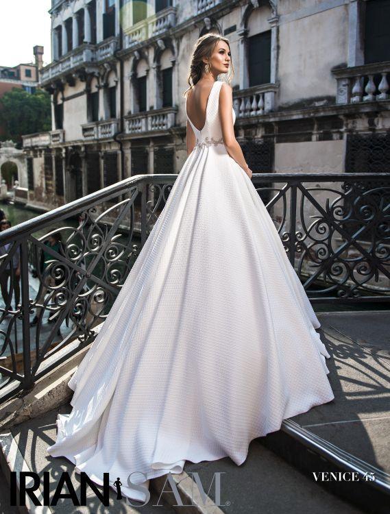 1795d41c53a1 Svadobné šaty Irian Sam Venice 2018