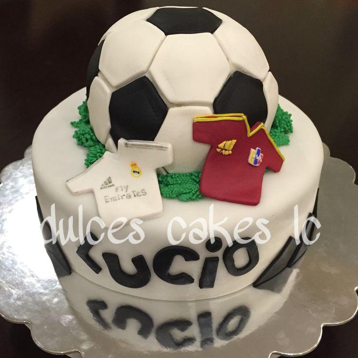 By Ligia Fútbol cake