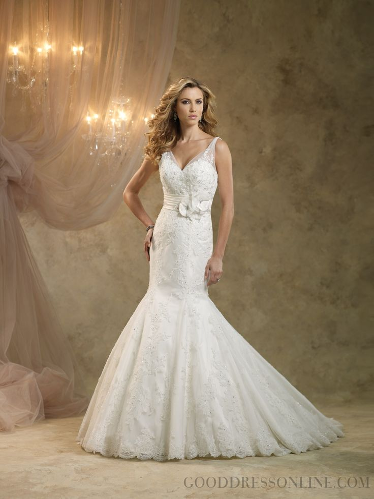 Trumpet / Mermaid V-neck Chapel Train Lace Wedding Dresses with Flower(s)