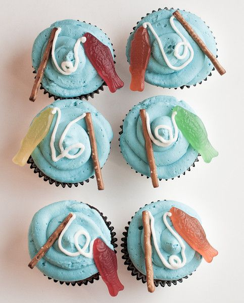 Heathers Sweets and Treats-Fishing Cupcakes (Cake Boy Easy)