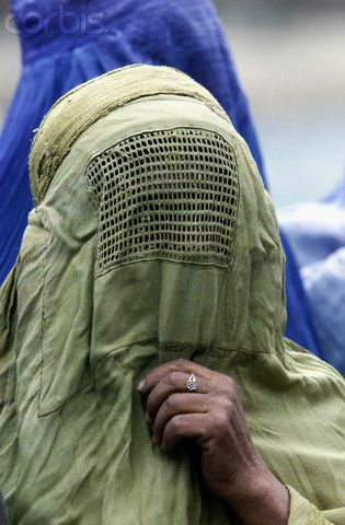 Beyond the veil, who is she?. A debated topic around the world.
