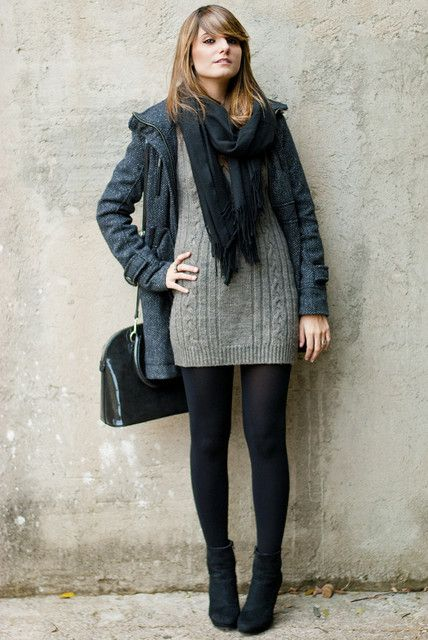 Sweaterdress scarf black tights