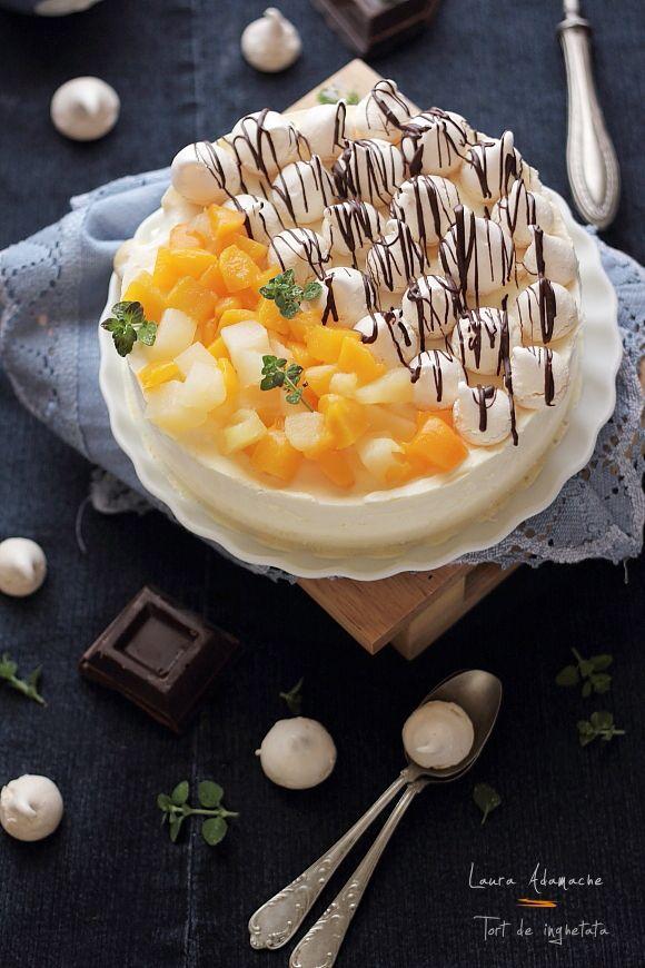 Tort de inghetata. Retete culinare de torturi. Reteta de tort de inghetata cu fructe tropicale si bezele. Mod de preparare si ingrediente tort de inghetata