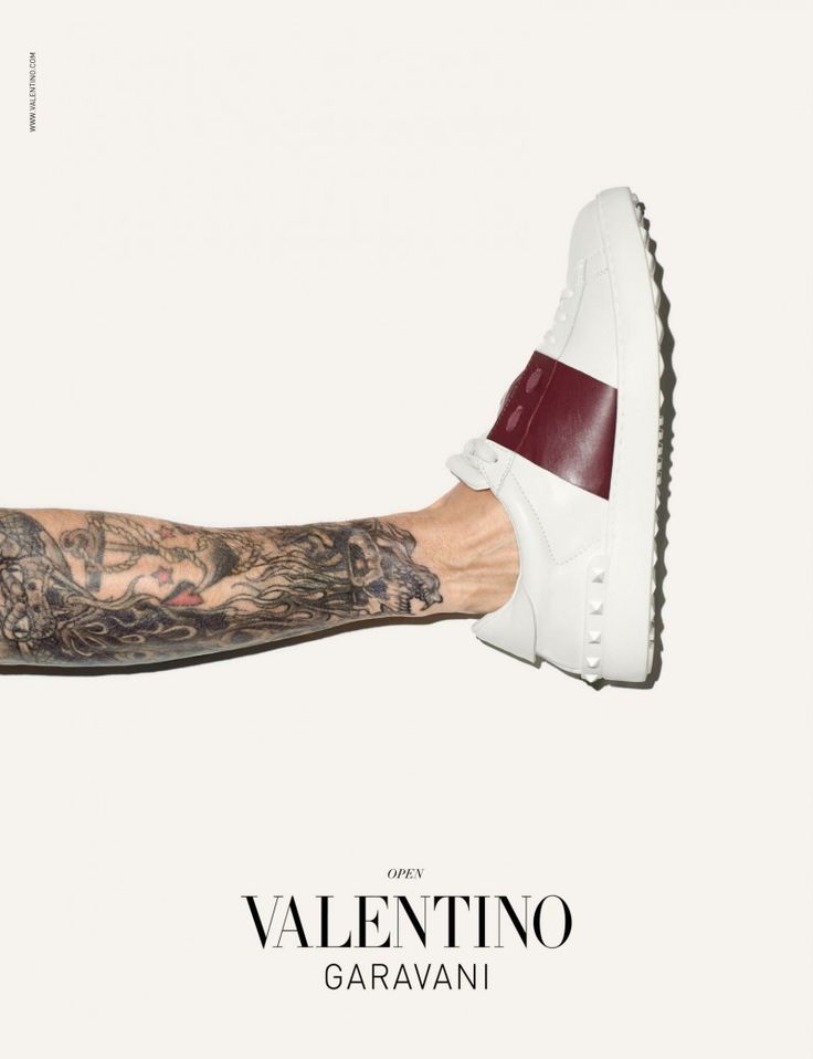 Valentino Sneakers Campaign by Terry Richardson image Valentino Men Sneakers Campaign Terry Richardson 002 800x1042