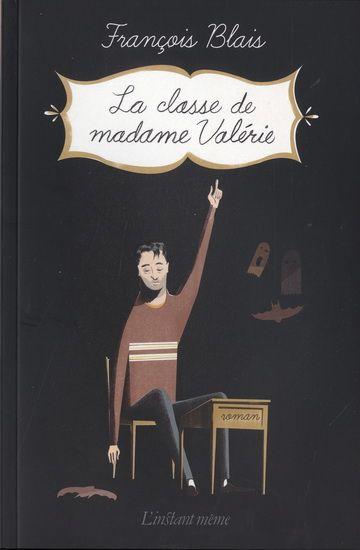 Les gens de ma génération vont adorer, car on y reconnaît nos références de l'enfance, de l'adolescence et de l'âge adulte. Nous voyons évoluer les personnages à trois dates précises : les 29, 30 et 31 octobre, sur trois années : 1990, 1997 et 2011.   Critique à lire ici :  http://www.lapresse.ca/arts/livres/critiques-de-livres/201304/15/01-4641101-la-classe-de-madame-valerie-la-psychologie-du-ballon-chasseur-.php