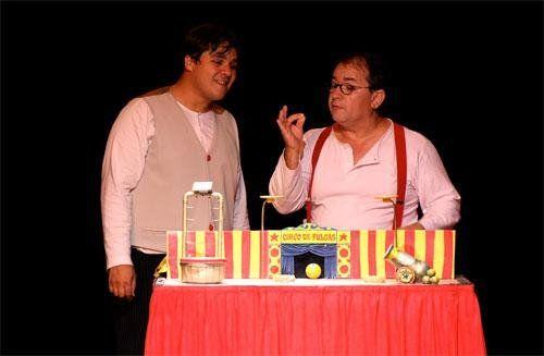 """Nos dias 2, 3 e 9 de abril, às 16h, acontece no Teatro Paulo Eiró a apresentação do espetáculo """"Circo de Pulgas"""" da Cia. Circo e Bonecos. A apresentação integra a Mostra FEMSA de Teatro Infantil e Jovem. Brincando de faz-de-conta, os amigos Clau e Rani decidem montar um circo. Como os truques não funcionam...<br /><a class=""""more-link"""" href=""""https://catracalivre.com.br/sp/agenda/barato/teatro-paulo-eiro-apresenta-o-espetaculo-circo-de-pulgas/"""">Continue lendo »</a>"""