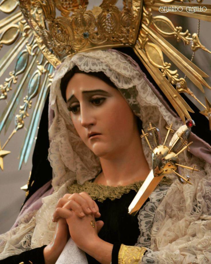 Dios te salve Reina y Madre Madre de misericordia vida dulzura y esperanza nuestra