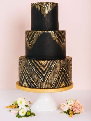 How elegant are these black wedding cakes?