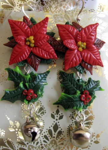 Christmas earring with holly and poinsettia