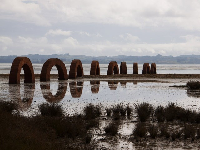 Andy Goldworthy, site-specific work at the farm, kaipara bay, NZ