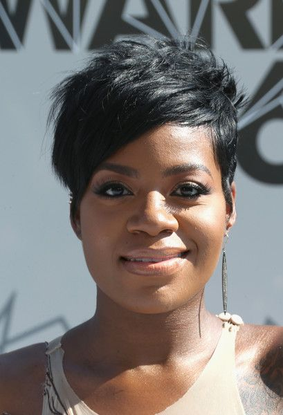 Fantasia Barrino Pixie - Fantasia Barrino looked oh-so-cool with her mussed-up pixie at the 2016 BET Awards.
