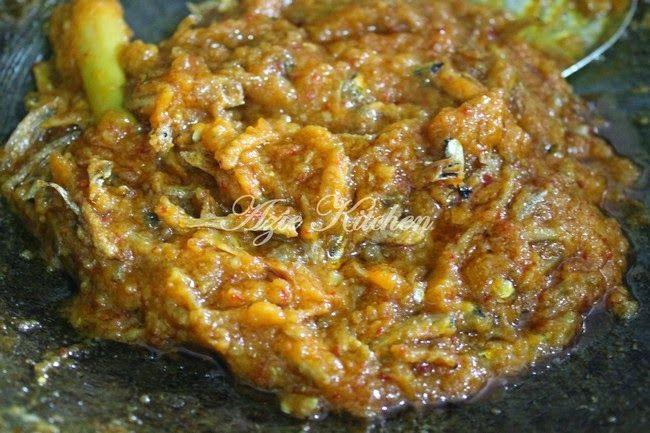 Azie Kitchen: Sambal Tempoyak Ikan Bilis