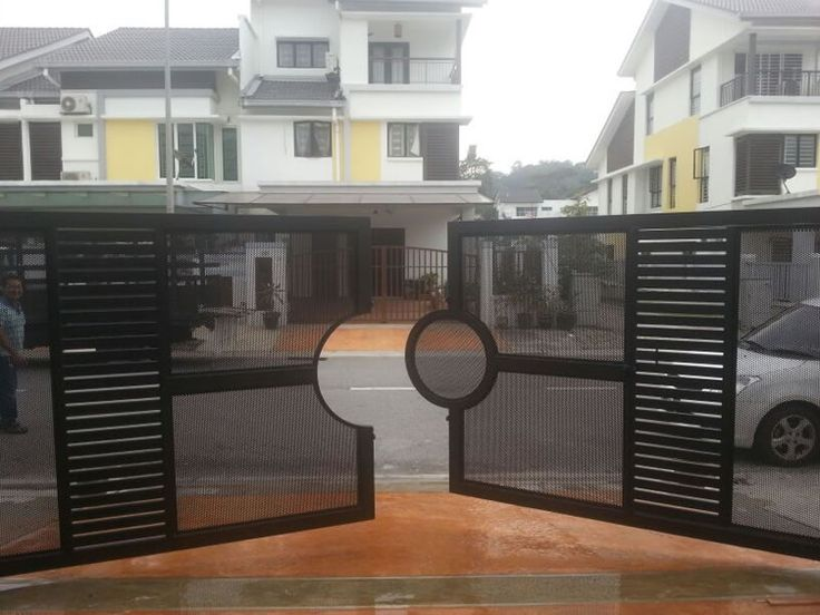 Xtreme Arrow Is Specialized In Design, Manufacture And Install Automatic  Main Gate In Malaysia.