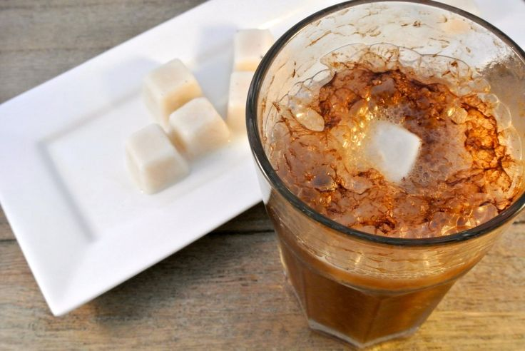 vanillia icecubes: milk/sugar/vanillia, freezer