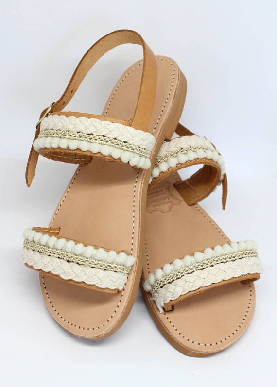 Sandales pour filles. Sandales plates de lété. Sandales fille