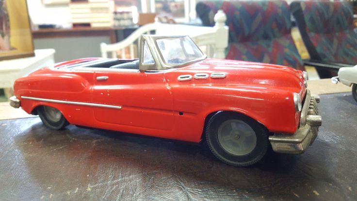 Peltiauto, 1950-luku !!!  Pituus 28cm  Arvioitu lähtöhinta: 50.00 €